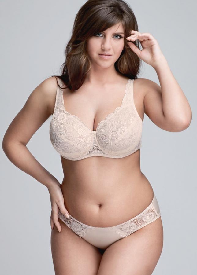 фото в рост толстушек в белье